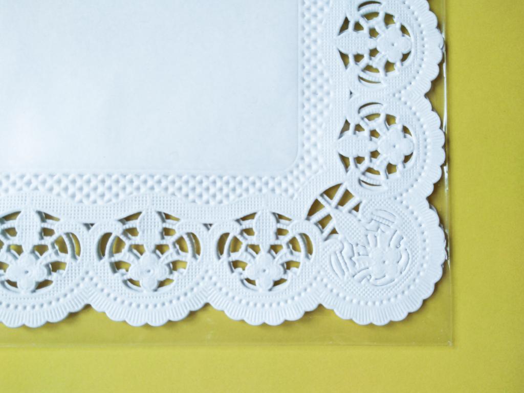 Serwetka dekoracyjna 30×25 cm